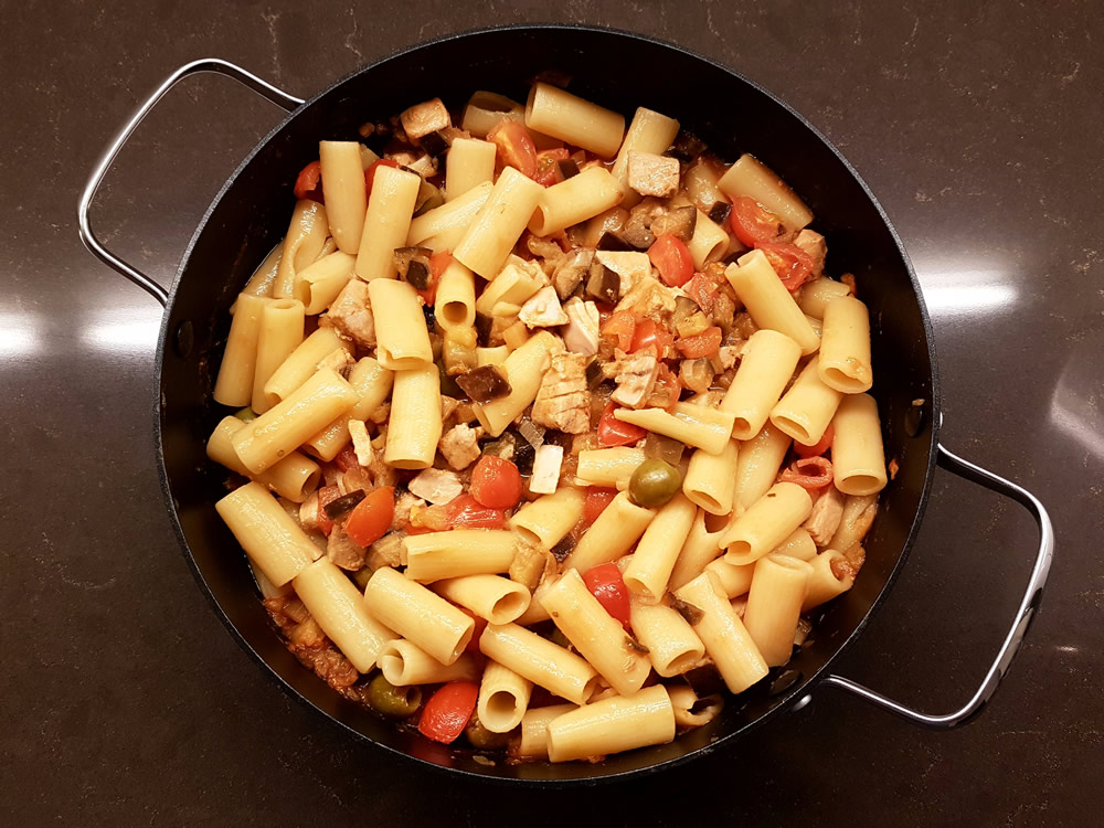 One Pot Rigatoni Aubergine